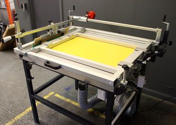 MANUAL SCREEN PRINTING FLATBED TABLE No.2With guided squeegee and vacuum.70x100cm B1 SIZE