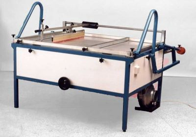 MANUAL SCREEN PRINTING FLATBED TABLE No3. With guided squeegee and vacuum.76x107cm B1 SIZE